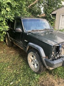 1997 Jeep Cherokee Sport$500 (Parts vehicle)