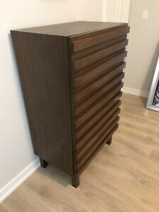 Chest / Nightstand Set