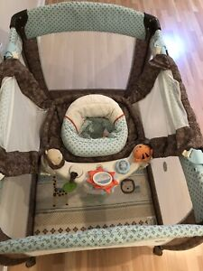 Portable crib playpen parc