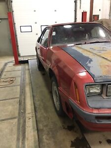 1982 Ford Mustang - rolling shell only $650.00 OBO