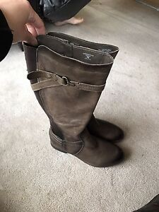 Earth brand women's boots