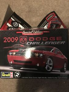 2009 Dodge Challenger Buildable Model Car