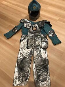 Costume de chevalier taille 5-6 ans.