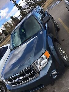 Ford Escape 2012, with very law KM
