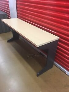 Nice work desk in good condition