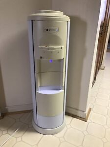 Greenway water dispenser perfect working condition