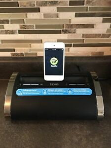 iHome Docking station with 8Gig Gen 2 iPod