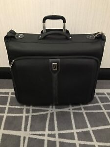London Fog Knightsbridge 44-inch garment bag suitcase luggage