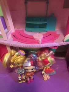 Shopkins Shoppies Super Mall with 6 Shoppies dolls