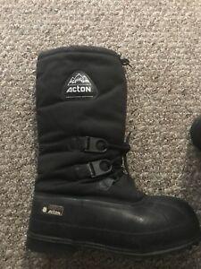 Men's Winter Boots, Size 11