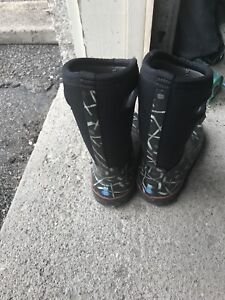 Used Boys Bogs boots
