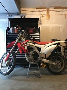 2014 Honda crf250r 20 hours since new!