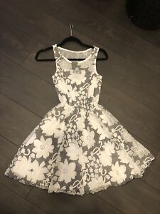 New with tags - Black/White Floral Dress XS ($75 Regular Price)