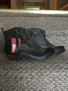 NEW Cowboy Booties Size 8.5