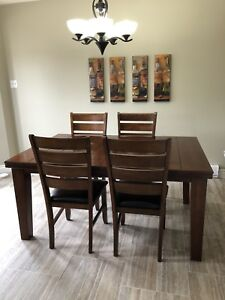 Wicked Deal kitchen table, four chairs and a leaf