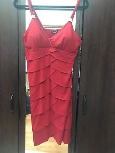 Short mermaid fitted red dress