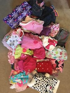 Baby girl 6 and 6-12months over 150items