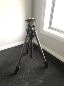 Camera Tripod - Velbon Sherpa 600r