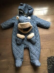 Gap Quilted Chambray suit with Hat and Mitts.