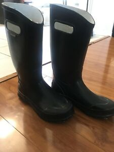 **$50** BOGS BOOTS! *amazing price*