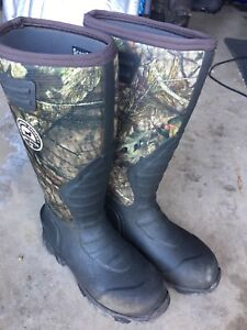 Hunting boots size 9