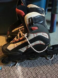 Brand name size 7 roller blades in good condition