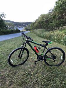 Mountain Bike - Diadora , almost new, under warranty 12 months.