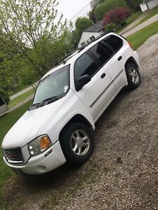 2009 GMC envoy sle 4x4 very clean