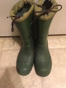 Men's rubber boots size 8