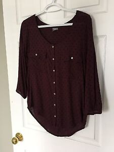 AMERICAN EAGLE BUTTON DOWN TOP-BRAND NEW!