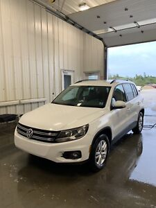 2015 Tiguan. Manual 6 speed