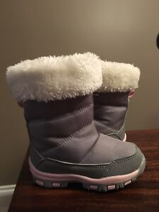 Infant thinsulate size 5 winter boots