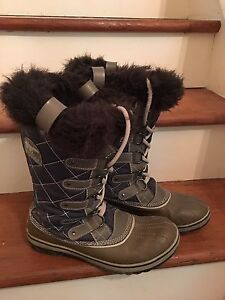 Sorel Boots size 9.5 womens