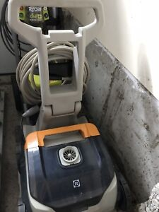 Hayward 500 series Robotic pool cleaner
