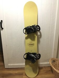 Burton feel good board, boots and bindings