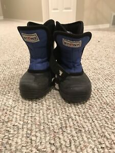 Stonz boots size 9 toddler