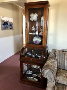 Display Case / Cabinet