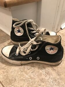 Youth High Top Converse All Star Sneakers Size 1