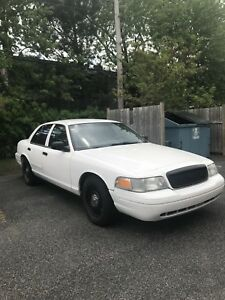 Crown victoria 2009 police pack