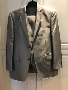 Men's Small Grey Suit