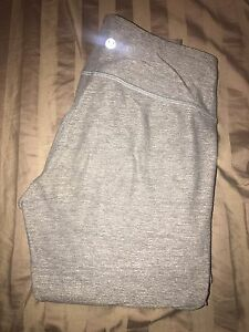 Size 4 lululemon wunder under