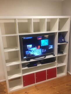 TV Cabinet And Bookshelf