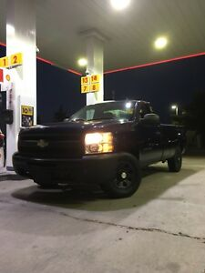 Chevrolet Silverado V6 4.3L - 8 FT BOX - CERTIFIED