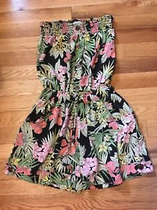 Heading south? Sweet dresses (size4/6)