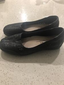 Natural comfort size7 Padstow Bankstown Area Preview