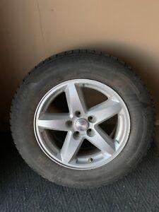4 pneus 235/65/17 Michelin latitude x-ice avec Mag Jeep
