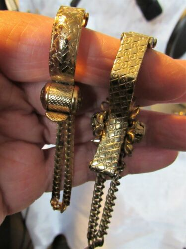Vintage Lot of 2 Gold Tone Glove Scarf Hanky Clips