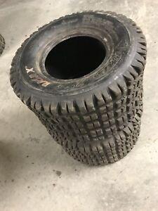 2 pneus arrière razr X 18x10-8