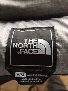 Women's North Face zip snowboard jacket - Medium Kitchener / Waterloo Kitchener Area image 2