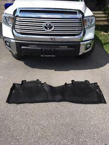 Weathertech rear floor mat Tundra